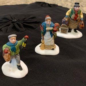 Dept 56, Come into the Inn Figurines , EUC